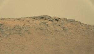 Na Marsie znajduje się posąg?