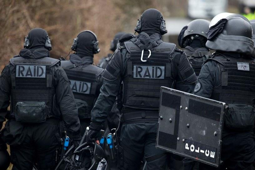 Na miejsce przyjechały specjalne oddziały policji RAID /AFP