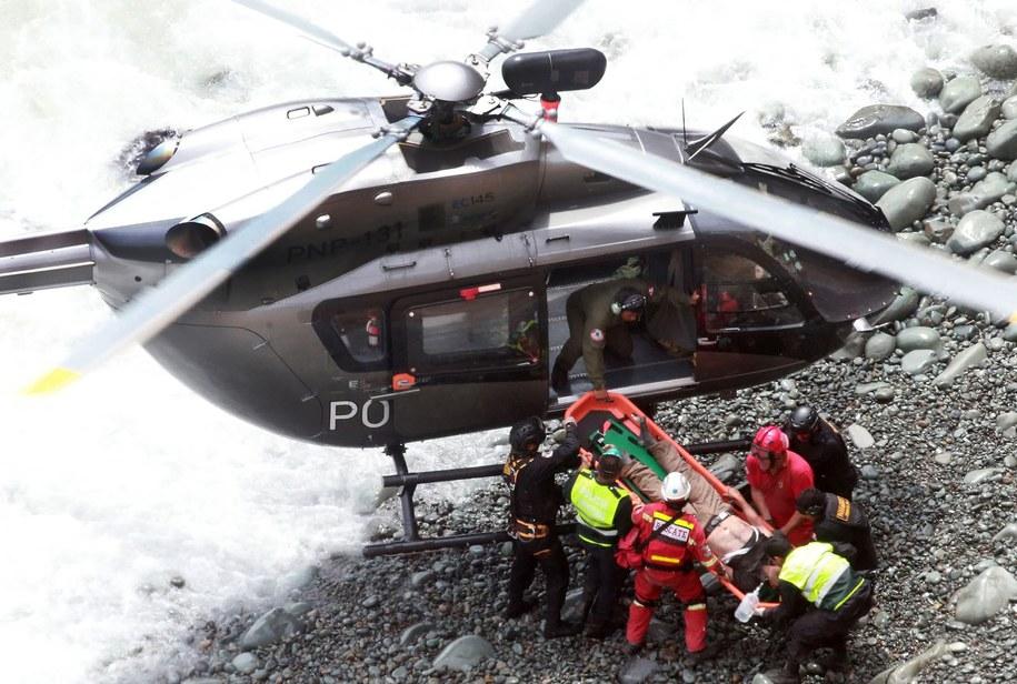 Na miejsce wypadku wysłano śmigłowiec /Vidal Tarqui / HANDOUT  /PAP/EPA