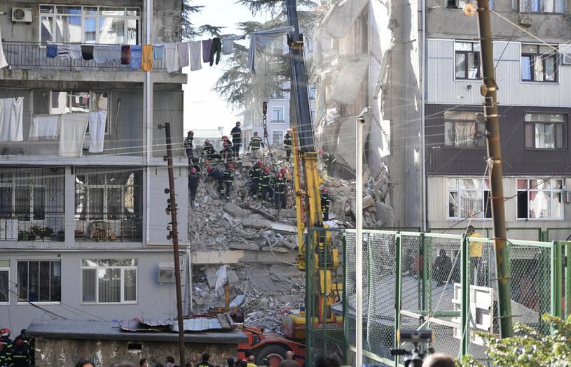 Na miejscu katastrofy nadal pracują służby ratunkowe /Kulumbegashvili Tamuna/Xinhua News /East News