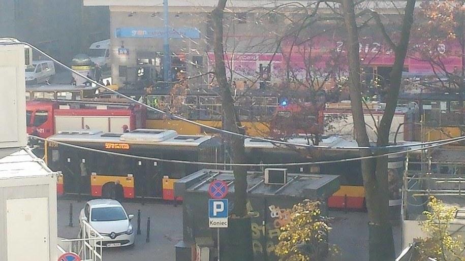 Na miejscu są już dwa wozy strażackie /Gorąca Linia (Ariel) /RMF FM