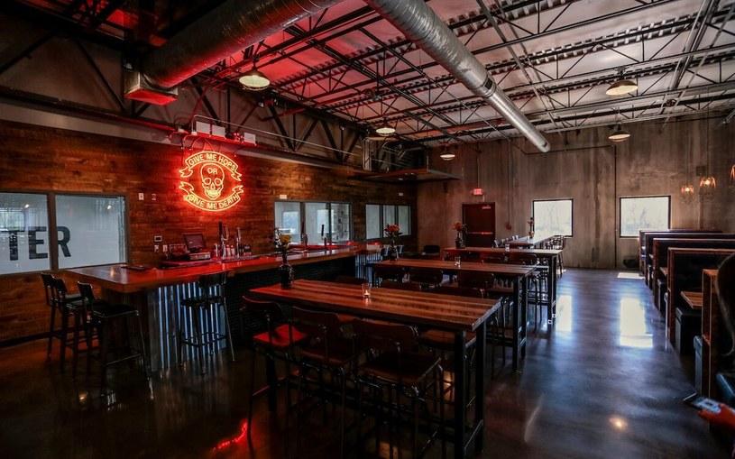 Na miejscu znajduje się muzeum piwa i - co nie powinno nikogo dziwić - bar! /materiały prasowe