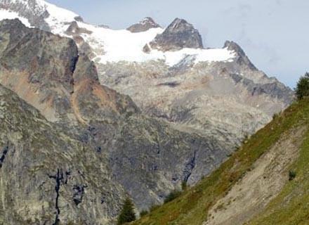 Na Mont Blanc lepiej wybrać się z pełnym ekwipunkiem wysokogórskim /AFP