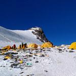 Na Mount Everest przybywa nawet 100 ton śmieci rocznie