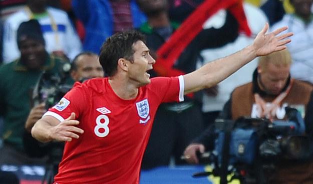 Na nic protesty, gol Lamparda nie został uznany /AFP