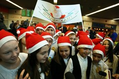 Na Okęciu wylądował samolot ze Świętym Mikołajem