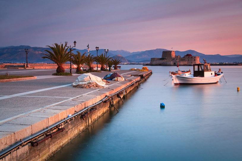 Na Peloponezie znajdziesz wiele uroczych zakątków. To idealne miejsce na podróż we dwoje /123RF/PICSEL