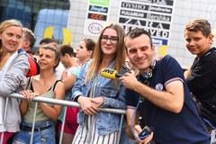 Na Placu Szewczyka w Katowicach wspólnie śpiewamy największe muzyczne przeboje