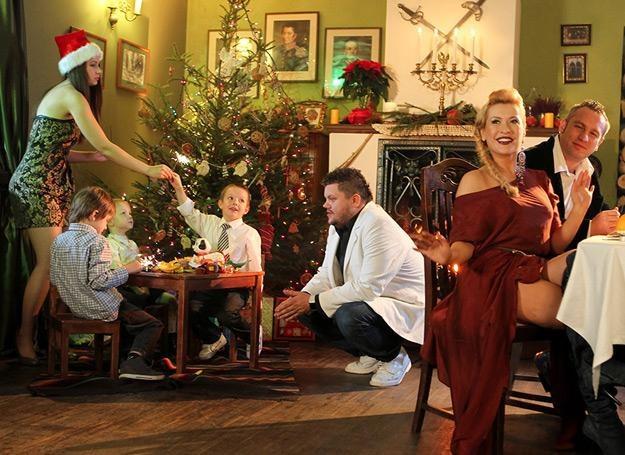 Na planie świątecznego teledysku Groovebusterz i Jędkera /Camey