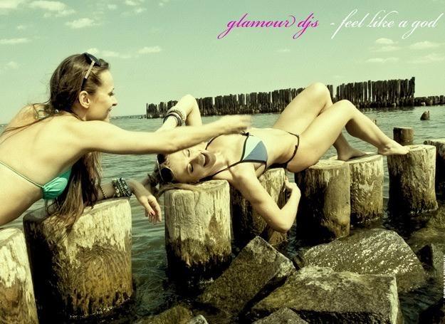 Na planie teledysku Glamour DJ's nie mogło zabraknąć dziewczyn /