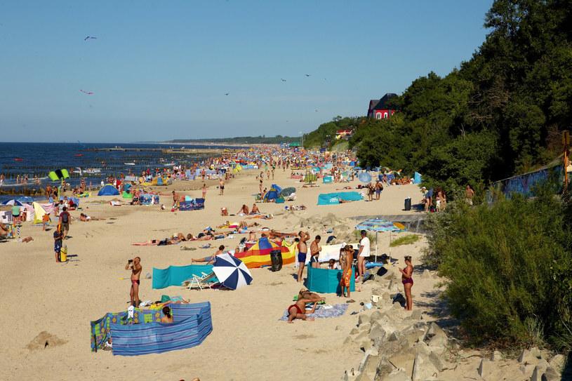 Na plaży, w pracy czy w domu - zawsze miej przy sobie wodę /East News