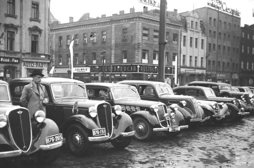 Na początku lat 30. w Polsce zarejestrowanych było około 40 tysięcy samochodów /Z archiwum Narodowego Archiwum Cyfrowego
