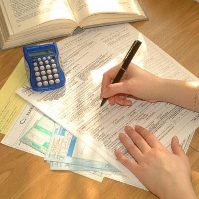 Na podstawie PIT-11 można ubiegać się o pożyczkę w banku /© Bauer