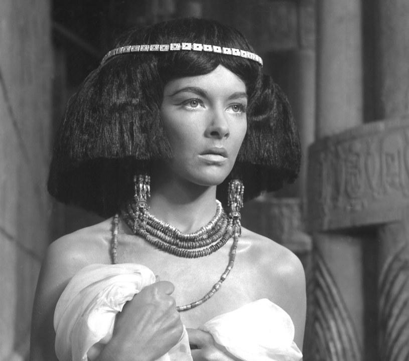 """Na pokaz """"Faraona"""" do Rio de Janeiro poleciała wraz z Jerzym Zelnikiem. Między dwojgiem urodziwych aktorów zaiskrzyło. fot. Faraon 1966/East News /East News"""