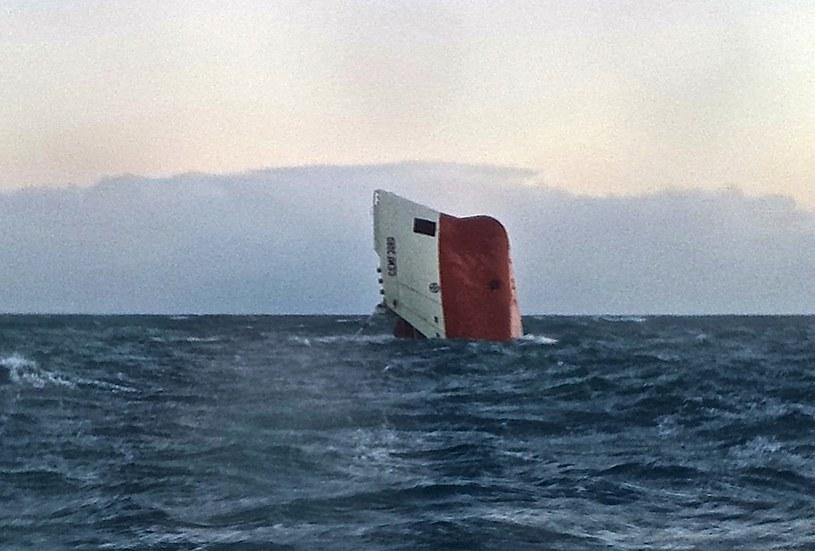 """Na pokładzie """"Cemfjord"""" było siedmiu Polaków i jeden Filipińczyk /AFP"""