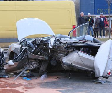 Na polskich drogach ginie więcej kierowców niż pieszych. I to znacznie!