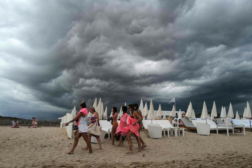 Na południu Francji spadło we wtorek na metr kwadratowy do 120 mm deszczu z gradem /VALERY HACHE/AFP /East News
