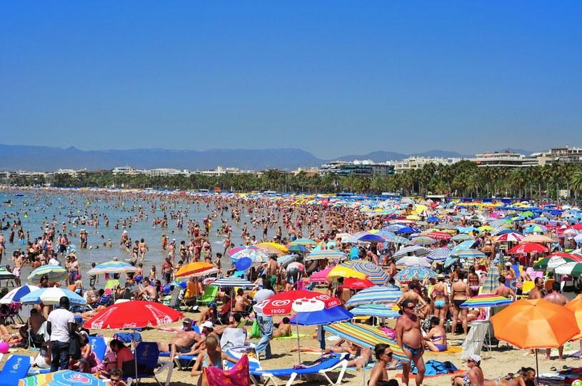 Na południu i wschodzie Hiszpanii od rana jest ciasno na plażach /123RF/PICSEL