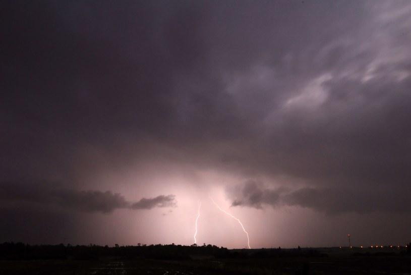 Na południu i zachodzie prognozujemy burze /123RF/PICSEL