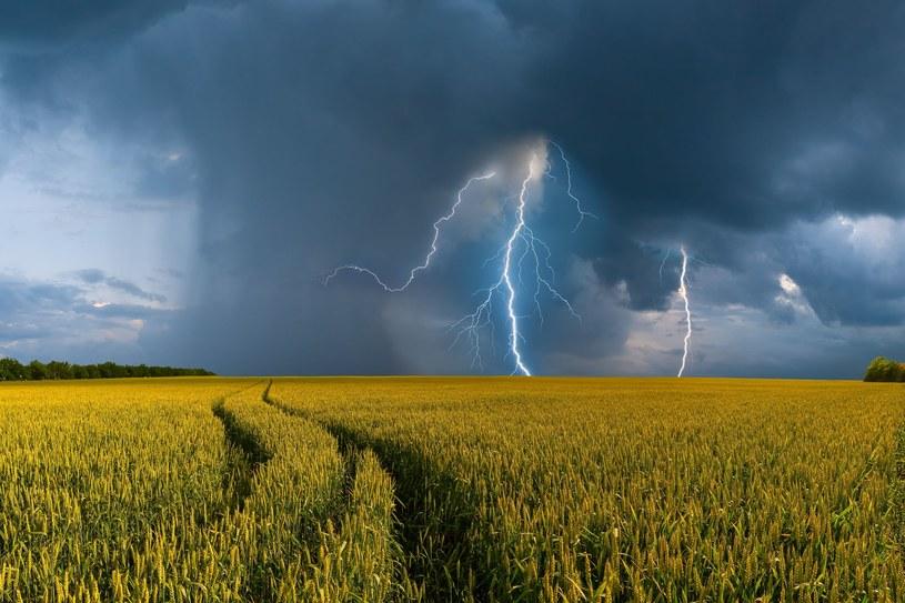 Na południu Polski spodziewane są burze /123RF/PICSEL