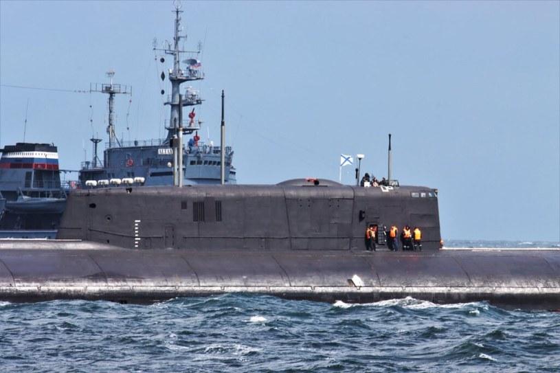Na pomoc okrętowi podwodnemu ruszył oceaniczny holownik /Kongelige Danske Marine /domena publiczna