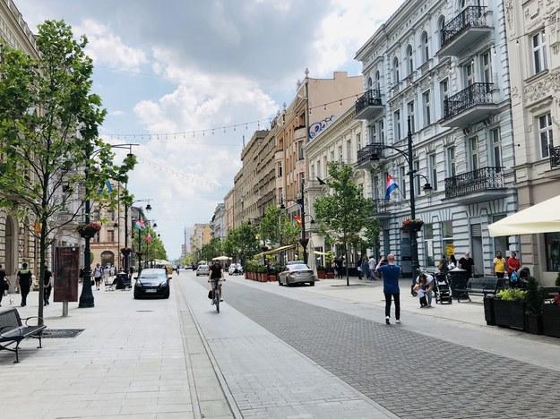 Na ponad 4 tygodnie cały odcinek ulicy Piotrkowskiej (od pl. Wolności do pl. Niepodległości) zamieni się w wielką strefę kibica /Agnieszka  Wyderka /RMF FM