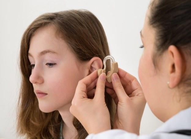 Na problemy ze słuchem coraz częściej skarżą się już nastolatki /materiały prasowe