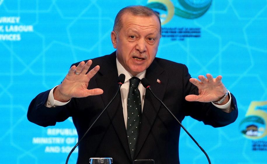 """""""Na prośbę Trypolisu Turcja wyśle do Libii swe wojska w przyszłym miesiącu"""" - ogłosił turecki prezydent Recep Tayyip Erdogan /ERDEM SAHIN /PAP/EPA"""