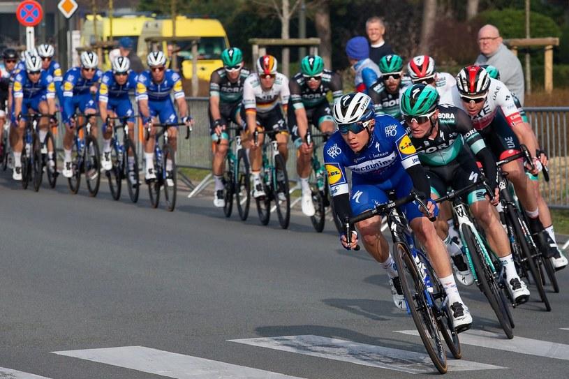 Na prowadzeniu Remco Evenepoel z Deceuninck - Quick-Step /AFP /AFP