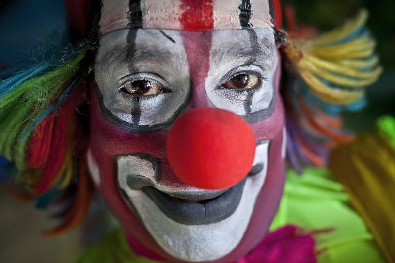 Na przebrania klauna nie wszyscy reagują śmiechem /Getty Images