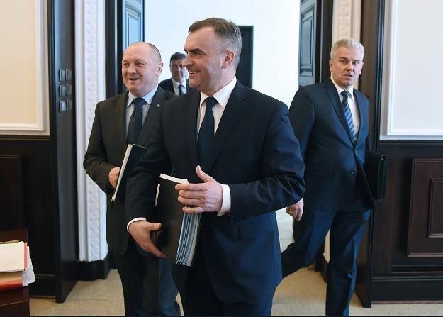 Na przedzie minister skarbu państwa Włodzimierz Karpiński /PAP