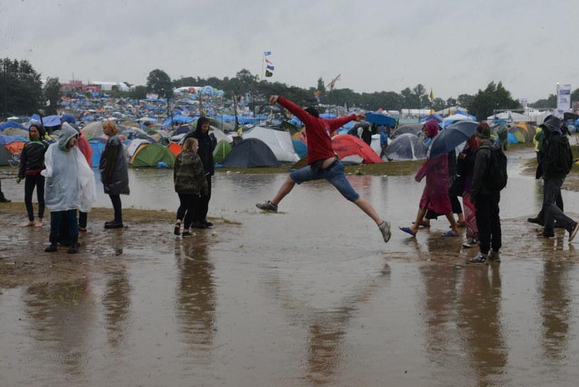Na Przystanku Woodstock trwała walka z wodnym żywiołem /Fot. MARIUSZ KAPALA / Gazeta Lubuska / Polska Press /East News