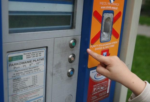 Na razie w centrach polskich miast płaci się tylko za postój / Fot: Maciej Smulczyński /Agencja SE/East News