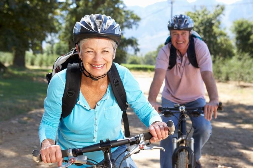 Na rower właściwie nigdy nie jest za późno /123RF/PICSEL