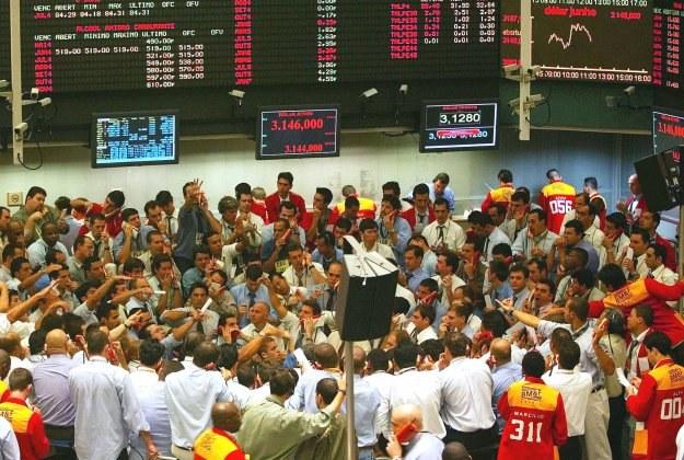 Na rynkach finansowych odbierano dziś niepokojące sygnały /AFP