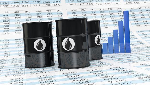 Na rynkach naftowych panuje duża zmienność /©123RF/PICSEL