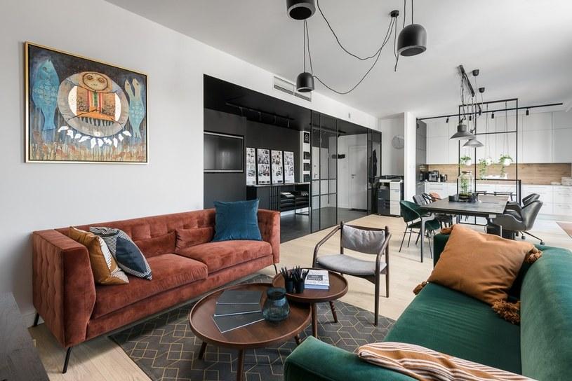 Na rynkach nieruchomości największych miast w Polsce przybywa ofert zakupu mieszkań z wykończeniem / zdj. Biuro sprzedaży mieszkań w Młynie Maria / RealCo Property Investment and Development /materiały promocyjne
