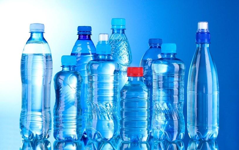 Na rynku dostępnych jest wiele wód. Ale która z nich jest najlepsza? /123RF/PICSEL