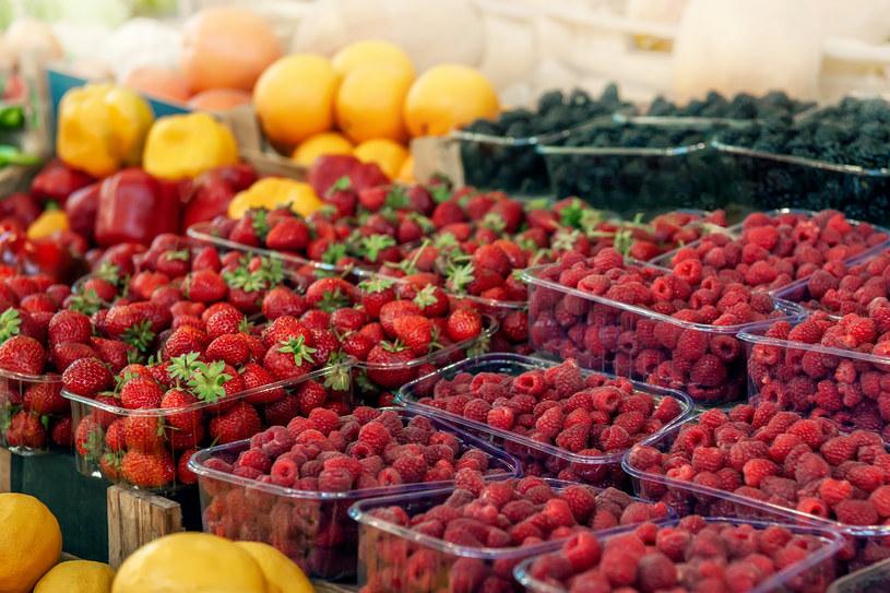 Na rynku jest pełen asortyment krajowych owoców (zdj. ilustracyjne) /123RF/PICSEL