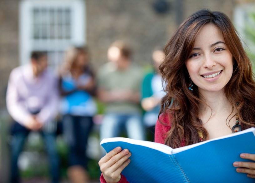Na rynku pracy następują zmiany. Co studiować, by zdobyć dobry zawód? /123RF/PICSEL