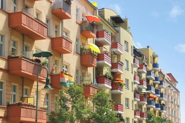 Na rynku zalegają zbyt duże mieszkania, wybudowane przy wysokich kosztach /© Panthermedia