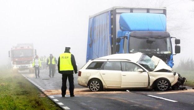 Na samochody najechała ciężarówka /PAP