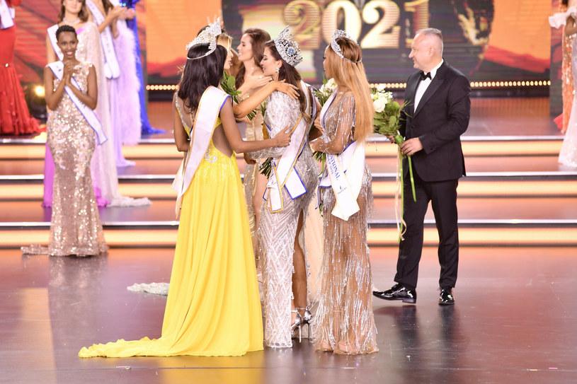 Na scenie finałowej Miss Supranational 2021 panowała niezapomniana atmosfera pełna radości i wzruszeń /Łukasz Kalinowski /East News