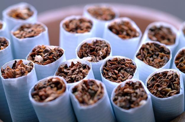 Na ścianie wschodniej papierosy bez akcyzy stanowią ponad 20 proc. całego rynku /© Bauer
