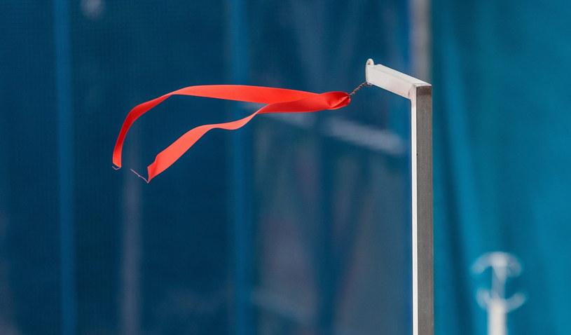 Na skoczni Bergisel w Innsbrucku szaleje wiatr /PAP/EPA