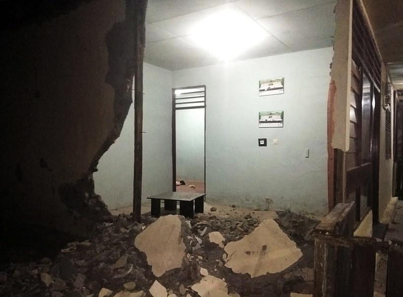 Na skutek wstrząsu zawaliło się około 160 budynków /BNPB HANDOUT /PAP/EPA