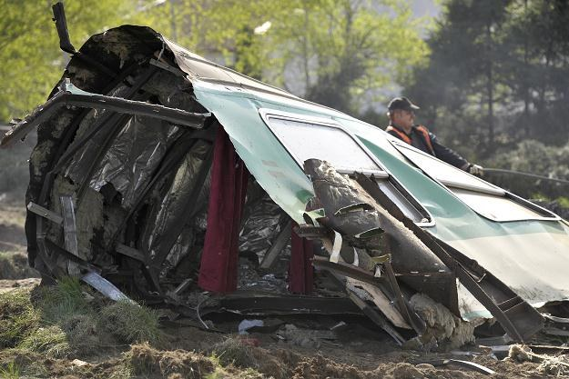 Na skutek wypadku pociąg wypadł z torów /PAP