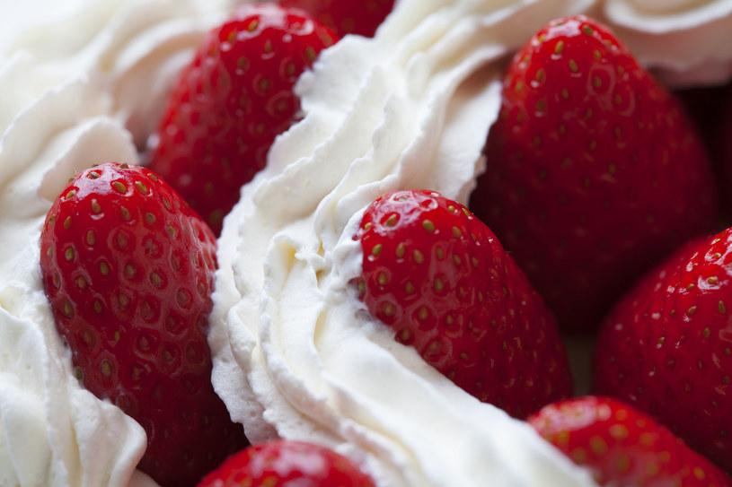 Na słodko czy na słono, dla lekarzy nie ulega wątpliwości, że truskawki to samo zdrowie /123RF/PICSEL
