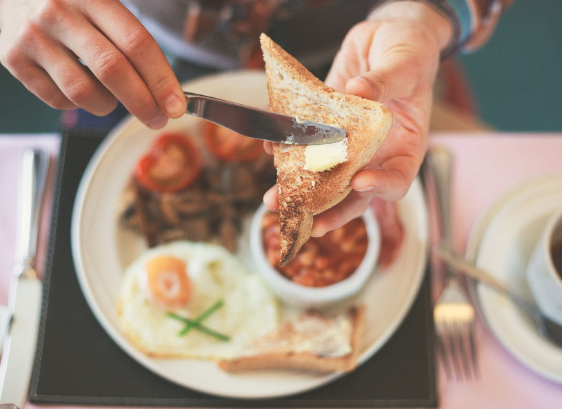 Na śniadanie warto znaleźć czas /123RF/PICSEL