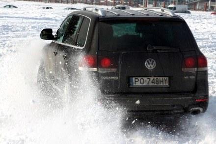 Na śniegu najlepiej radzą sobie auta 4x4 /INTERIA.PL